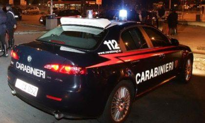 Scavalca la recinzione di casa della sua ex, arrestato dai carabinieri