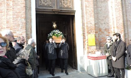 Beppe Cerchio, una folla immensa per il funerale
