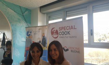 Benedetta e Cristina Parodi cucinano per i bimbi del Regina Margherita LE FOTO