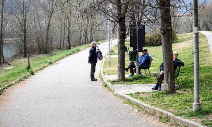 """Coronavirus, il sindaco nei parchi: """"Restate a casa"""""""