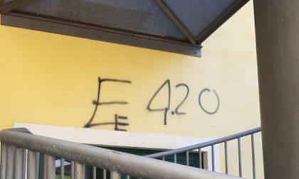 Scritte sul muro della scuola elementare