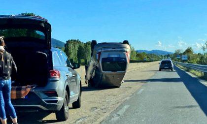 Auto ribaltata sulla Sp11, una donna trasferita in ospedale