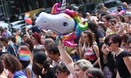 """Torino Pride, la Mole diventa """"arcobaleno"""""""