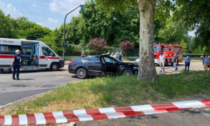 Scontro tra due auto a Torino: morta una donna