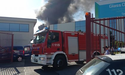 Grosso incendio in zona strada Cebrosa. FOTO E VIDEO