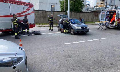 Incidente tra auto, due persone trasportate in ospedale