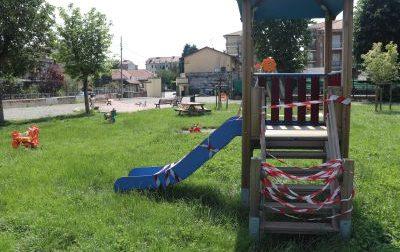 I  parco giochi restano chiusi