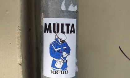 Adesivi contro la Polizia locale, la condanna della Regione