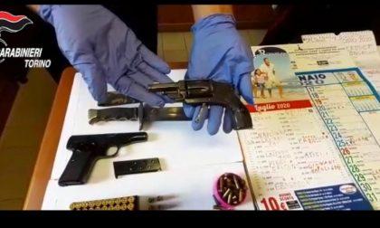Armi, coltelli e contabilità da usuraio: insospettabile di 76 anni arrestato dai carabinieri IL VIDEO