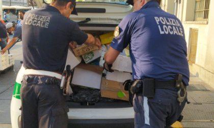 Sequestrati oltre 25mila sacchetti di plastica venduti abusivamente