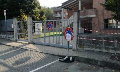 Divieto di sosta davanti all'ingresso di scuola per evitare assembramenti