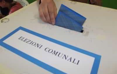 Urne aperte per il referendum costituzionale. Rivalba e Venaria scelgono anche il nuovo sindaco
