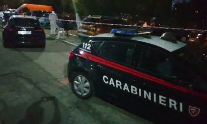 Spara sei colpi di pistola alla ex e si toglie la vita, i primi accertamenti dei carabinieri