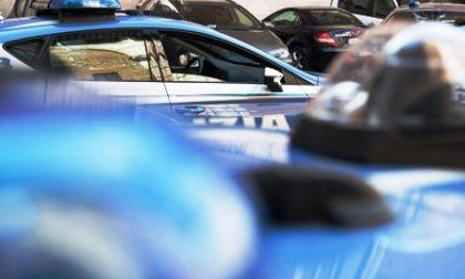Tentano di rubare ma scatta l'allarme in casa: ladri arrestati