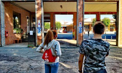Parte l'anno scolastico all'Istituto Agnelli: in distribuzione 1300 sacche di responsabilità verso gli altri e 1300 borracce per la tutela dell'ambiente