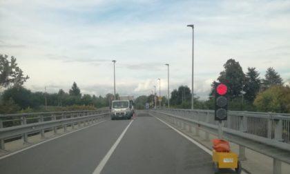Ponte sul Po, senso unico alternato per lavori di manutenzione della struttura