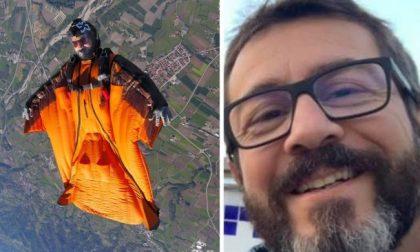 Uno schianto mortale con la tuta alare:  46enne perde la vita