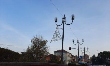 Luminarie natalizie, cominciato l'allestimento a Castiglione