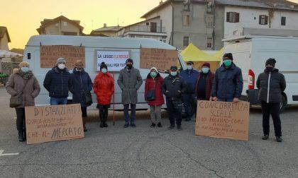 Anche a Gassino la protesta dei mercatali non alimentari