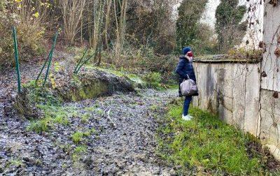 Il fango minaccia le tombe del cimitero