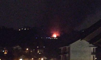 Incendio a Natale, in fiamme una casa nella collina di Castiglione