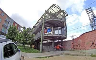 Lavori per l'installazione di telecamere di sicurezza alla passerella di via Brofferio