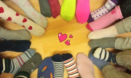 La giornata dei calzini spaiati nelle scuole di Rivalba