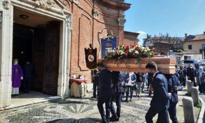 L'ultimo saluto al maestro Luigi Biasi: col suo pennello ha raccontato la collina