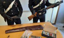 Con una pistola spara dal balcone di casa: disarmato ed arrestato dai carabinieri