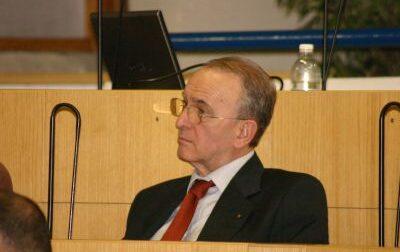 Settimo, in memoria di Giovanni Ossola: così si celebra l'impegno del sindaco che ha dato un impulso nuovo alla città