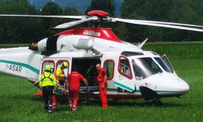 Incidente sul lavoro a Ozegna, imbianchino cade da un'impalcatura: ricoverato al Cto con l'elisoccorso