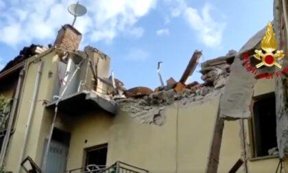 Esplosione in una palazzina a Torino