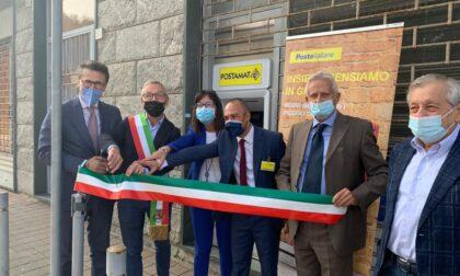 Taglio del nastro al nuovo sportello Atm Postamat a San Raffaele
