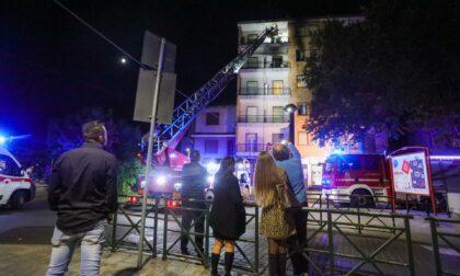 Incendio in un alloggio, paura in centro